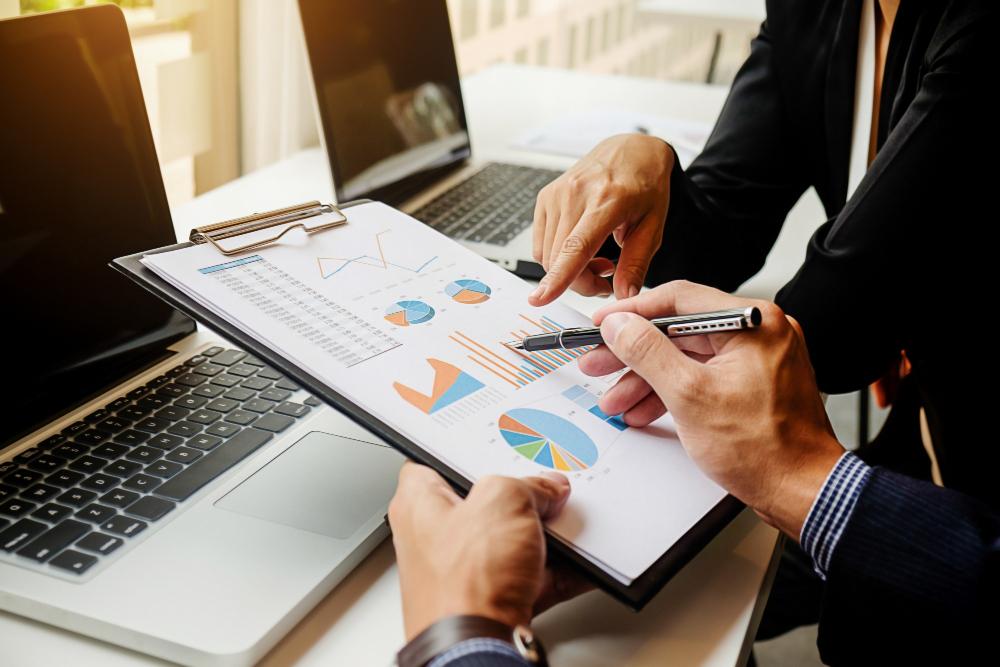 135-302 ธุรกิจสร้างสรรค์และการจัดการธุรกิจระหว่างประเทศ
